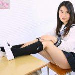 【あゆみ莉花】大人っぽい黒髪ロングの清楚なセーラー服JKのパンチラ