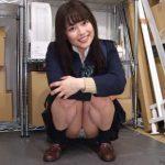 【うみ】笑顔が愛らしい女子高生が元気にパンチラしまくり